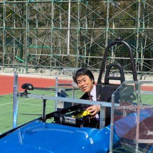 空飛ぶクルマの開発現場を視察中の豊田市長